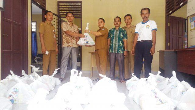 Diisos P3A Rohul Salurkan paket sembako bantuan Pemkab Rohul ke desa-desa dan kelurahan di Rohul