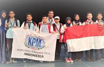Pelajar Indonesia meraih kemenangan pada acara 1st International Festival Mathematical Triathlon Apollonia di Sozopol, Bulgaria