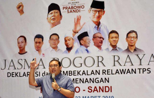 Anggota Dewan Pengarah Badan Pemenangan Nasional (BPN) Prabowo-Sandi, Fadli Zon memberikan pengarahan saat Deklarasi dan Pembekalan Relawan Tempat Pemungutan Suara (TPS) untuk Pemenangan Prabowo-Sandi di GOR Pajajaran, Kota Bogor, Jawa Barat, Sabtu (23/3/2019). Deklarasi dan pembekalan relawan TPS yang diselenggarakan Jaringan Alumni SMA se-Bogor Raya (Jasma) tersebut untuk mendukung pasangan calon Presiden dan Wakil Presiden Prabowo Subianto dan Sandiaga Uno dalam Pemilihan Presiden 2019 serta memantau proses pemungutan suara di TPS. ANTARA FOTO/Arif Firmansyah/foc.