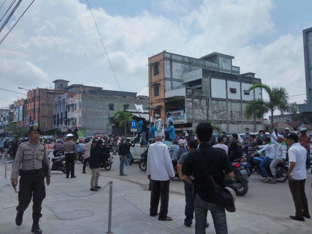 Aksi massa yang tergabung dalam Gerakan Masyarakat Anti Maksiat (GMAM) beberapa hari yang lalu