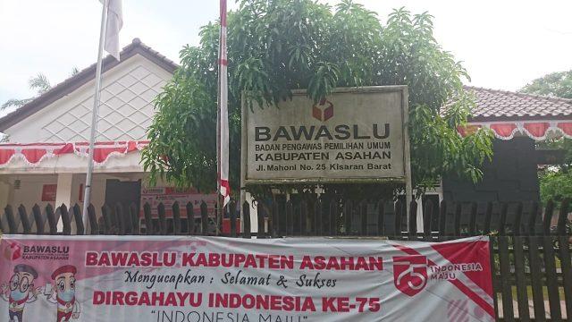 Kantor Bawaslu Kabupaten Asahan dijalan Mahoni, No 25, Kisaran Barat.